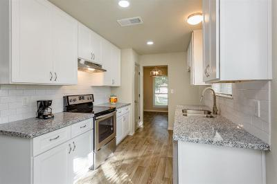 Single Family Home For Sale: 703 Reseda Drive