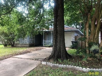 Single Family Home For Sale: 11915 Greenglen Drive
