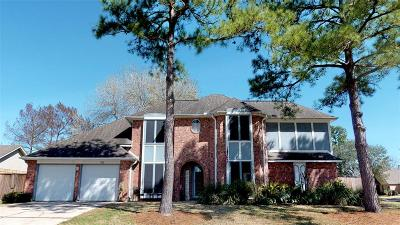 Friendswood Single Family Home For Sale: 1410 Edinburgh Drive