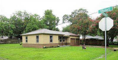 Alvin TX Single Family Home For Sale: $129,000