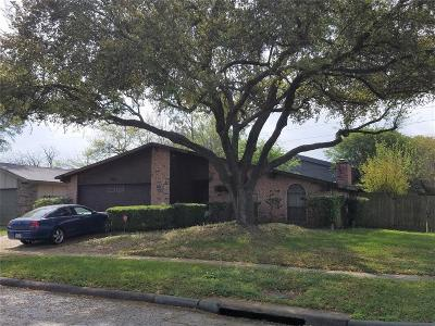 Houston Single Family Home For Sale: 5411 Hickory Forest Drive