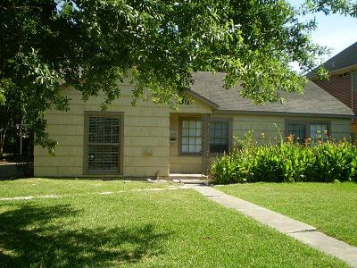 Bellaire Single Family Home For Sale: 4906 Chestnut