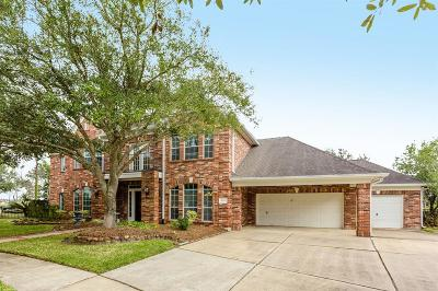 Pearland Single Family Home Pending Continue to Show: 2603 Winston Court