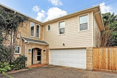 Houston Condo/Townhouse For Sale: 2514 Nantucket Drive #D
