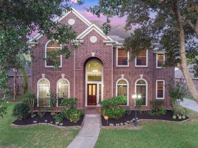 League City Single Family Home For Sale: 2208 Lakewind Lane