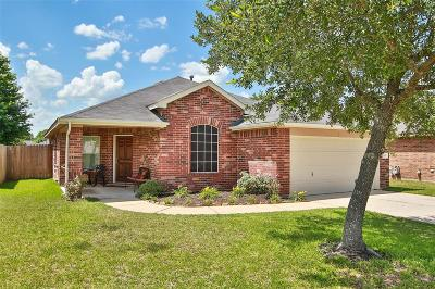 Single Family Home For Sale: 18818 Cluster Oaks Drive