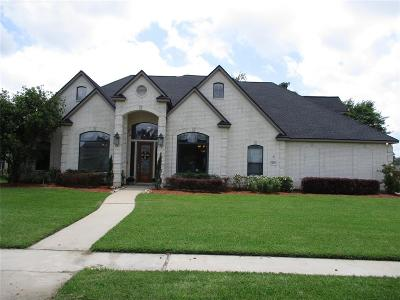 Lake Jackson Single Family Home For Sale: 52 Rose Bay Court