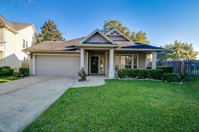 Fort Bend County Single Family Home For Sale: 10231 Cherry Laurel Lane