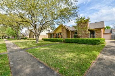 Sugar Land Single Family Home For Sale: 2823 Pepper Wood Drive