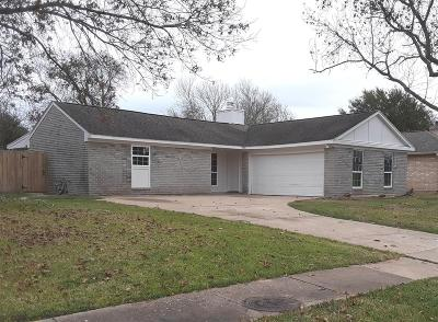 Single Family Home For Sale: 17918 Forest Cedars Drive