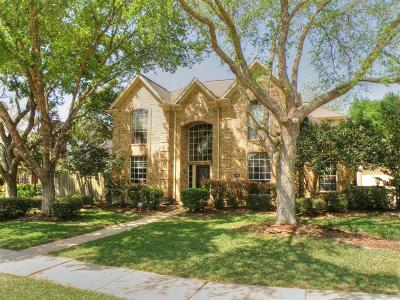 Friendswood Single Family Home For Sale: 1214 Bob White Drive