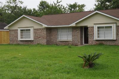 Single Family Home For Sale: 10675 Oak Brook Drive