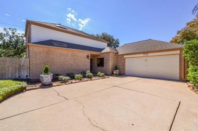 Houston Single Family Home For Sale: 11611 Cedar Creek Drive