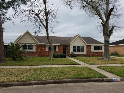 Single Family Home For Sale: 15418 Diana Lane