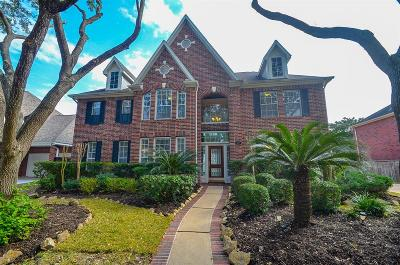 Sugar Land Single Family Home For Sale: 32 Rippling Creek Drive