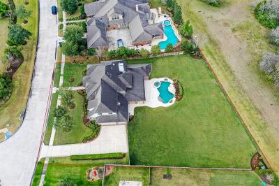Single Family Home For Sale: 305 Northcliff Ridge Lane