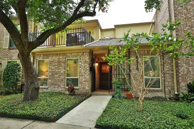Bellaire Condo/Townhouse Pending: 6319 Meredith #58
