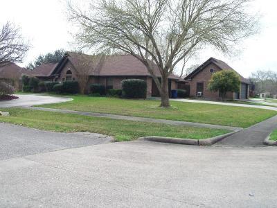 Angleton Single Family Home For Sale: 811 Shady Lane