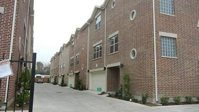 Houston Condo/Townhouse For Sale: 8733 Bryam