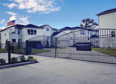 Single Family Home For Sale: 415 Yale Oaks Lane