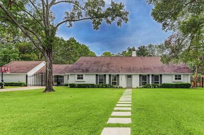 Hedwig Village Single Family Home For Sale: 11402 S Chestwood Drive