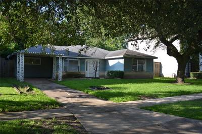 Bellaire Single Family Home Pending: 4534 Oakdale Street