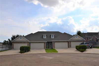 College Station Condo/Townhouse For Sale: 4312 Whispering Creek Court