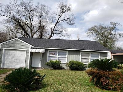 Houston Single Family Home For Sale: 5417 Bataan Road
