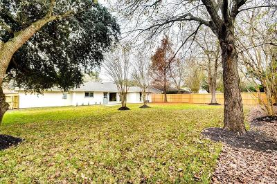 Friendswood Single Family Home For Sale: 1106 Lost River Drive