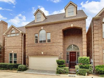 Houston Single Family Home For Sale: 4740 Post Oak Timber Drive #44
