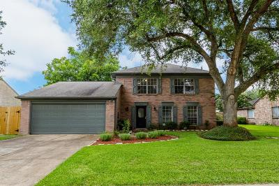 Pearland Single Family Home Option Pending: 2513 Shadybend Drive