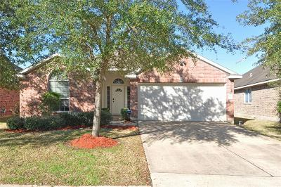 Pearland Single Family Home For Sale: 1908 Roaring Springs Drive