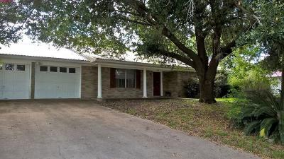 Hallettsville Single Family Home For Sale: 109 Kessler Street
