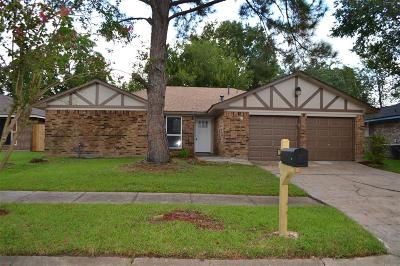 Baytown Single Family Home For Sale: 808 Meadowbrook Drive