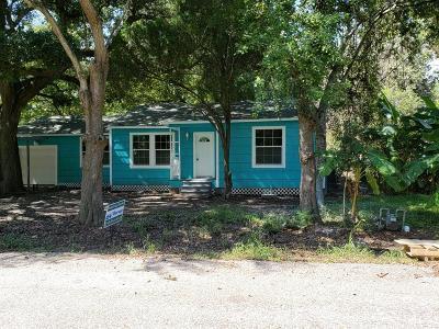 La Marque Single Family Home For Sale: 822 Retama Street