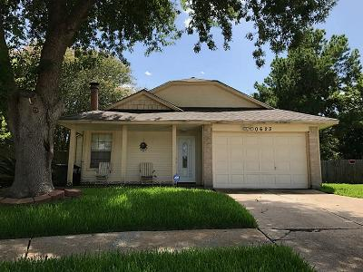 Sugar Land Single Family Home For Sale: 10623 Sandy River Drive