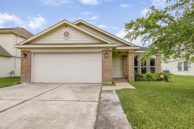 Baytown Single Family Home For Sale: 5726 Turmeric Drive