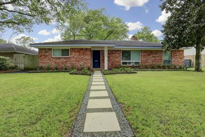 Houston Single Family Home For Sale: 10710 Mullins Drive