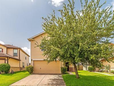 Houston Single Family Home For Sale: 450 Remington Ridge Drive