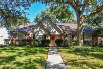 Houston Single Family Home For Sale: 7814 Burning Hills Drive
