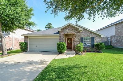 Single Family Home For Sale: 18910 Cluster Oaks Drive