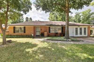 Houston Single Family Home For Sale: 9909 Westview Drive