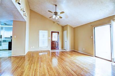 Houston Single Family Home For Sale: 6615 Briar Terrace Drive