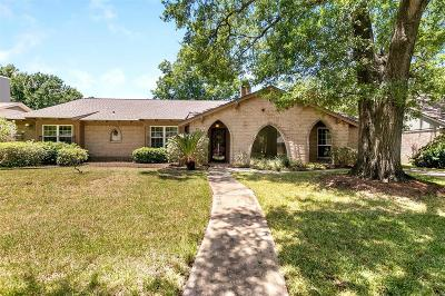Houston Single Family Home For Sale: 2715 Durban Drive