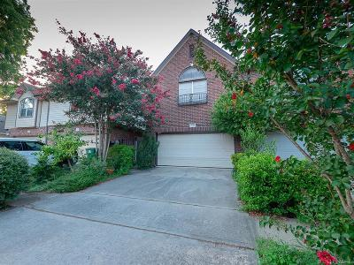 Cottage Grove Condo/Townhouse For Sale: 5240 Eigel Street