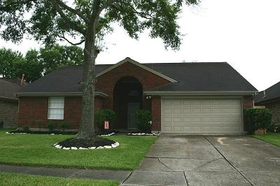 Friendswood Single Family Home For Sale: 4723 Backenberry Drive