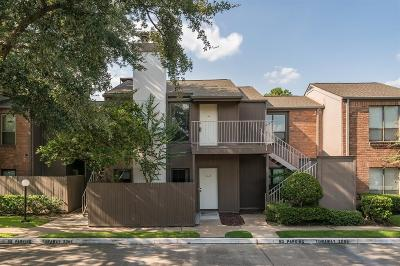Houston Condo/Townhouse For Sale: 1201 Bering Drive #64