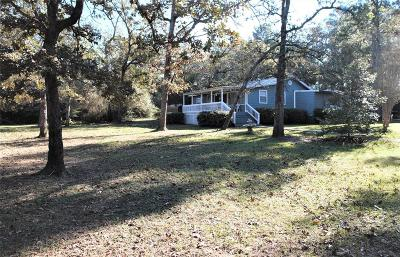 Navasota Single Family Home Pending: 14925 Cherry Laurel Lane
