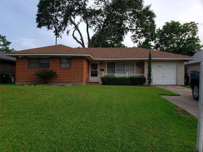 Houston Single Family Home For Sale: 6825 Carvel Lane