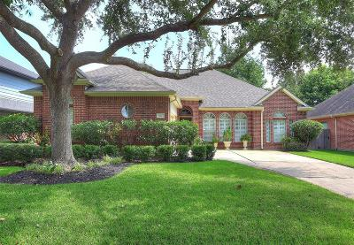 League City Single Family Home For Sale: 314 Bay Spring Drive